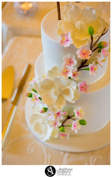 Reception detail of room at Mulgoa Valley Receptions wedding cake close up